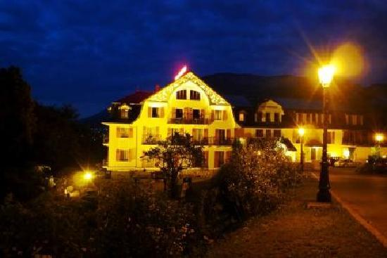 Les Tresoms, Lake and Spa Resort : spectacular lighting
