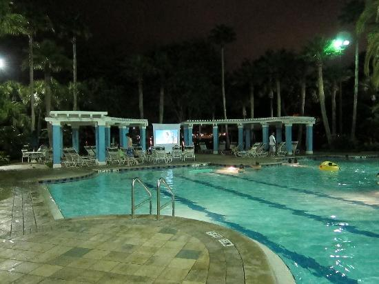 Marriott's Cypress Harbour Villas : dive in movie at the island pool