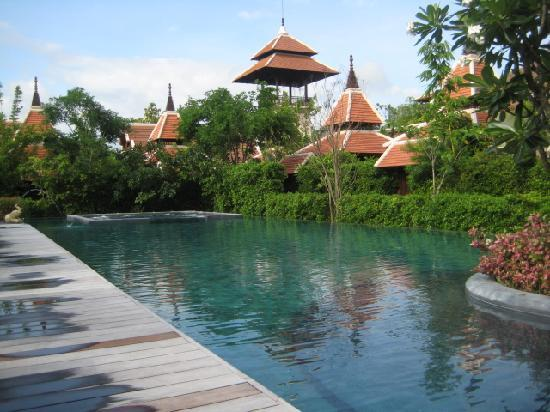 Siripanna Villa Resort & Spa: Only part of the gorgeous pool, need to walk around to get full effect