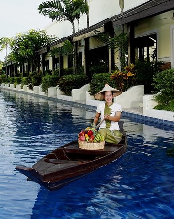 Access Resort & Villas: Room Service by Boat