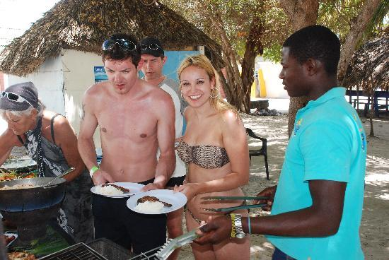 SeavisTours: Mittagessen im Fischerdorf Mano Juan