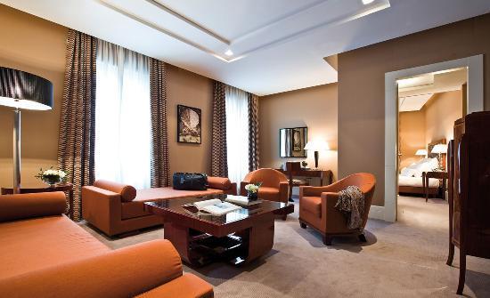 Grand hotel via Veneto: Corner Suite