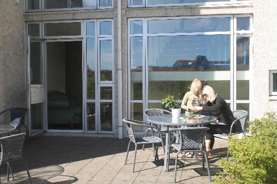 Blue Arctic Hotel Sudurgata: The patio