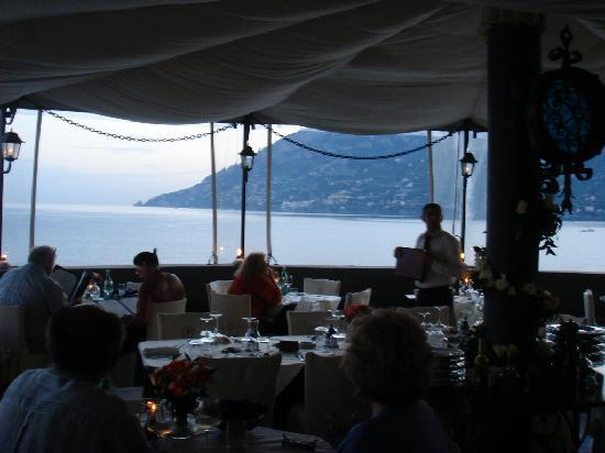 Torre Normanna Restaurant: Eating on the terrace with great views