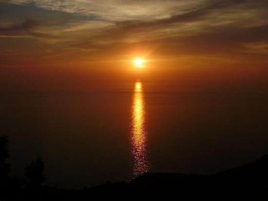 Armonia Apartments : Lefkada Sunset
