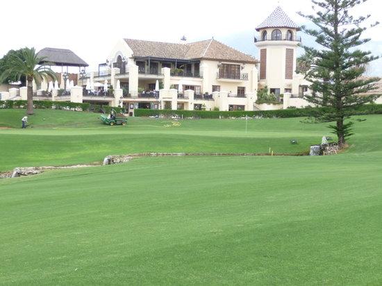 Los Naranjos Golf Club: Club house Los Naranjos + Digger