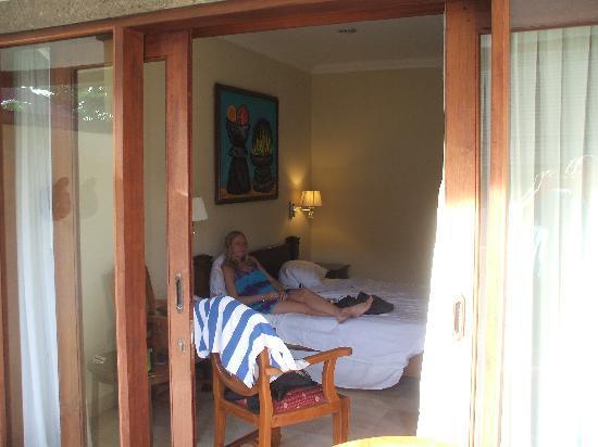 Hotel Kumala Pantai: bedroom from the balcony