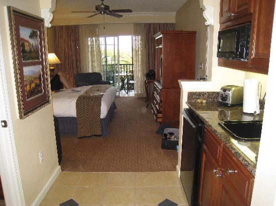 Hilton Grand Vacations at Tuscany Village: Entry to room