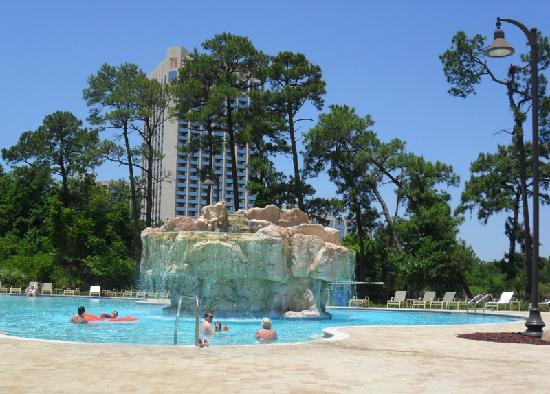 Wyndham Lake Buena Vista Disney Springs Resort Area: Relaxing at the pool