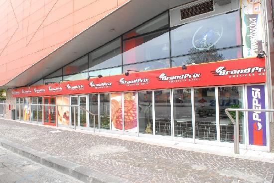 GRANDPRIX American Grill : Esterno