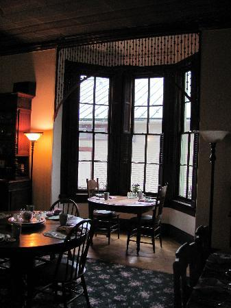 Inn at the Canal: Dining Romm at Inn