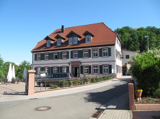 Ölmühle Hotel-Restaurant: Hotel Front View