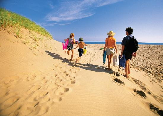 Prince Edward Island, Canada: A family day at the beach