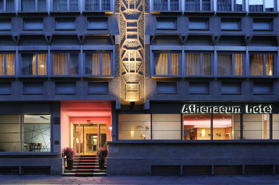 Athenaeum Hotel: outside view