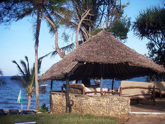 Kaskazi Beach Hotel: Strandbar