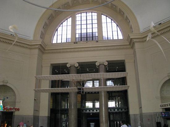 Science Museum of Virginia: main entrance hall