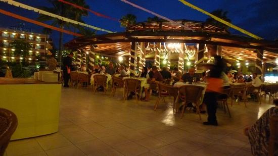 La Siesta Hotel: barbecus evening