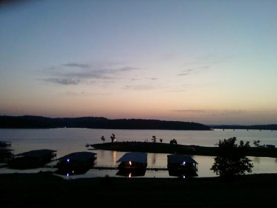 Lake Norfork Resort: Sunset on the balcony