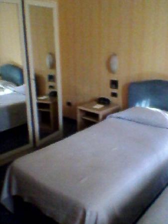 Hotel Poledrini : armadio