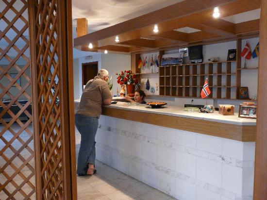 Top Hotel Chania: reception