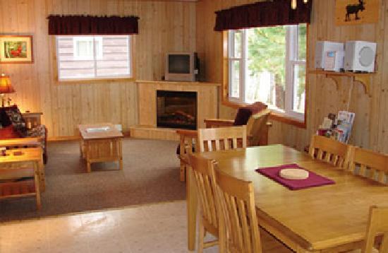 Garden Lake Resort: Inside