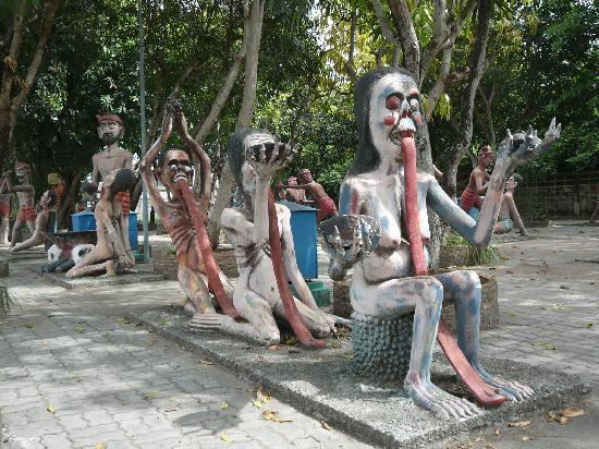The Wang Saen Suk Hell Garden: cheerful company of regulars