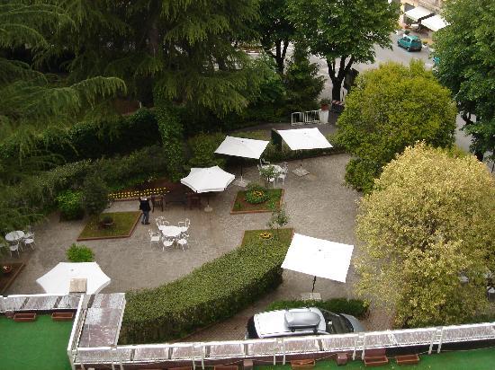 Hotel Imperiale: Overlooking the hotel garden