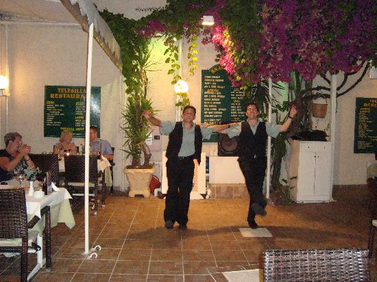 Hotel Telesilla: greek dancing by makis and yarni
