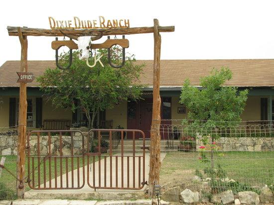 Dixie Dude Ranch: Main house