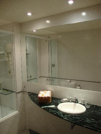 Callao Suites: bathroom