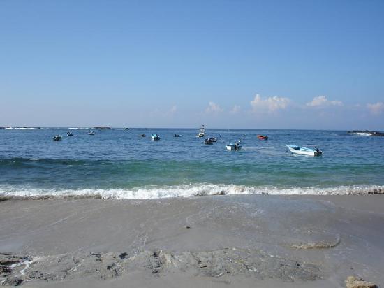 Paski's Adventure Sport Tours: the little fishing boats of San Juanillo