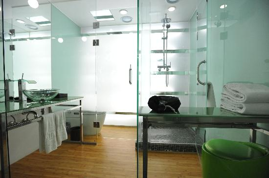 Imperial Palace Boutique Hotel: Bathroom
