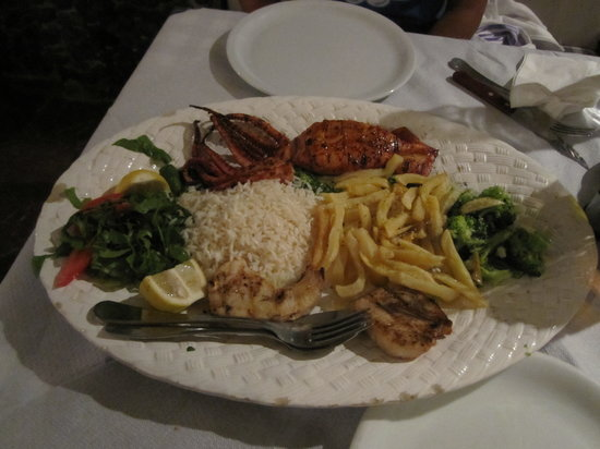 Eanos Restaurant: Grilled Seafood Special for 2