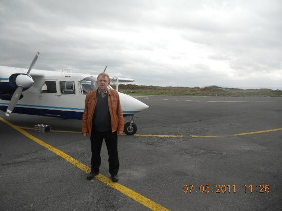 The Doolin Ferry Co.: Waiting to board the aircraft for Inis Mor
