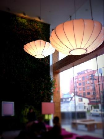 Sonesta Hotel Bogota: Lobby lights