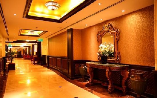 Arabian Courtyard Hotel & Spa: Lobby