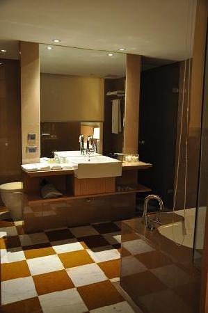 City Suites Taipei Nanxi: モダンなバスルーム