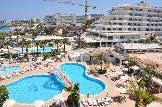 Constantinos the Great Beach Hotel: The crane!