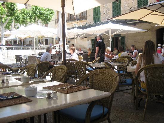 Restaurant il Giardino: Tables