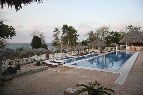 Paradisus Rio de Oro Resort & Spa: The anti room to the mediteranian restaurant