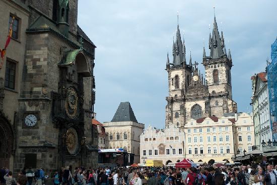 Prague, Czech Republic: La plaza de la ciudad vieja