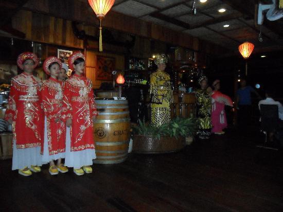 Bonsai River Cruise - Dinner Cruise: Dancers