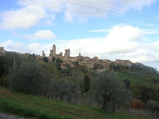 San Gimignano, Italy: コメントを入力してください (必須)