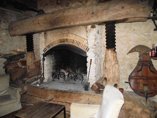 Condeau, Francia: The famous fireplace