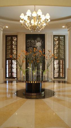 Kempinski Nile Hotel Cairo: lobby
