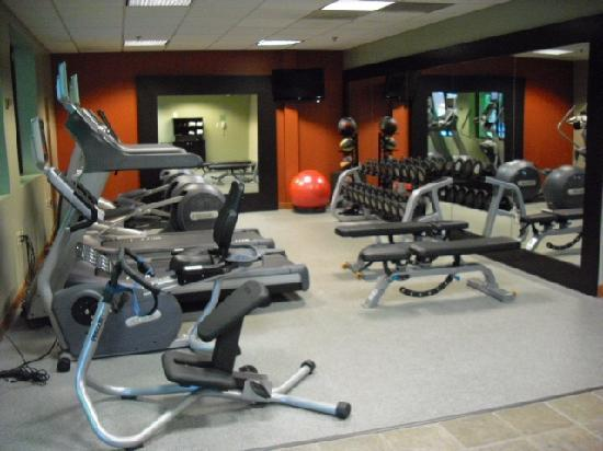 Doubletree by Hilton Hotel Akron - Fairlawn: Workout area