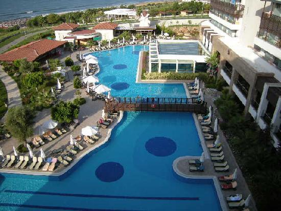 Alba Royal Hotel: pool view
