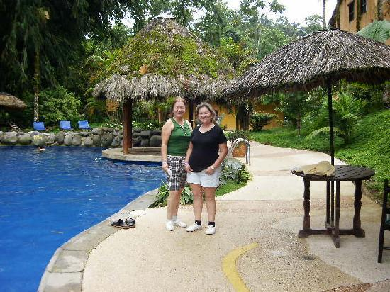 Arasha Tropical Rainforest Resort & Spa: la piscina
