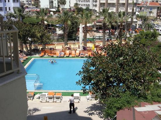 Sun Maris Beach Hotel: view of pool