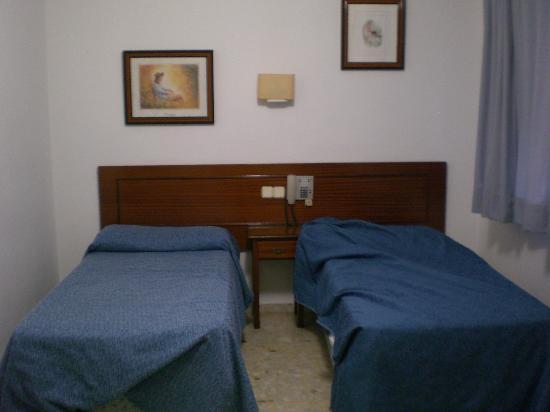 Marina Victoria Hotel Algeciras: 宿泊した客室の写真